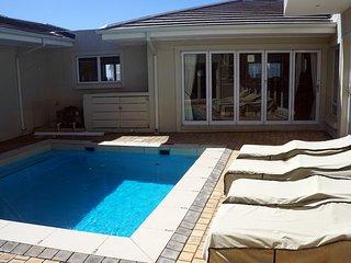 Serenity Villa at Pinnacle Point -  Golf, Ocean and Fynbos Views!
