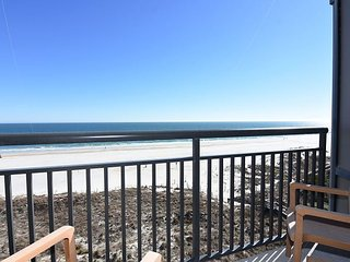Shell 605 - Sixth floor oceanfront condo sleeps 6