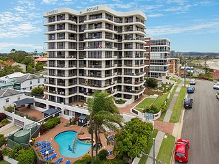 Chateau Royale Unit 37 - Overlooking central Coolangatta