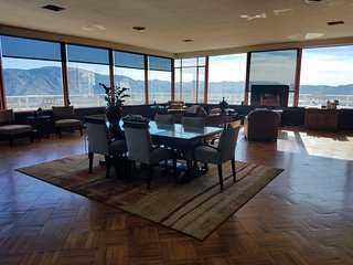 Top of the World Estate with 360 views near Palm Springs