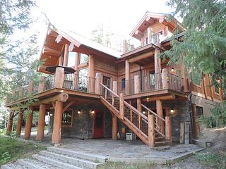 A stunning home set over three levels., Christina Lake