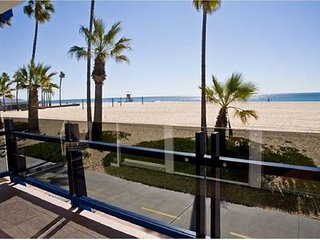 Enjoy the Views from this Bright Lower Level Oceanfront Condo! (68136)
