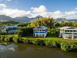 Imagine living your Hanalei riverfront vacation dream in this unique cottage!