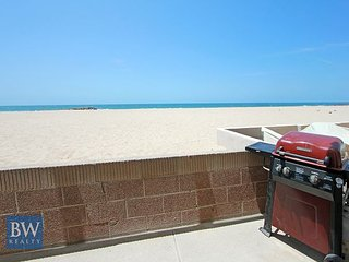 Oceanfront Remodeled Lower Duplex - Large Patio on the Sand with BBQ! (68387)
