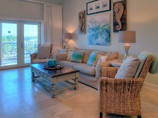Perfect Seagrove Beach Condo! Gated Community - Pool - Steps to Beach!!!