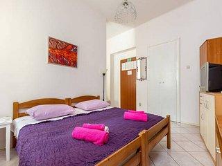 Center of Split - Sweet apartment Dado with sunny balcony