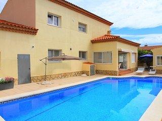 B12 DUBI villa piscina privada y jardin, Wi-Fi