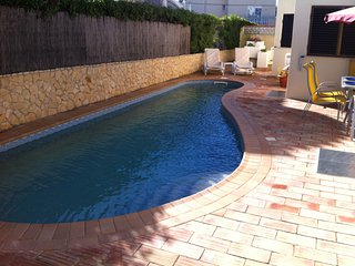 June LASTMINUTE Sunny 4 bedrooms villa with pool in Carvoeiro