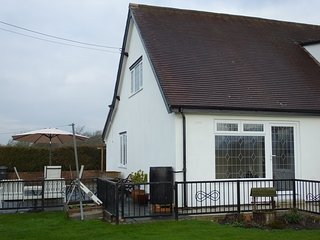 The Willows End, Caersws. Relax in the Heart of Mid Wales