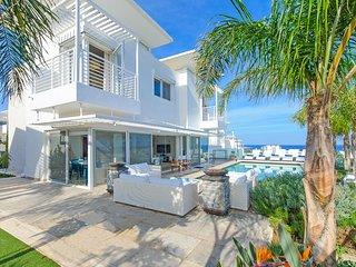 Cyprus Holiday Villa LEFKI Profile