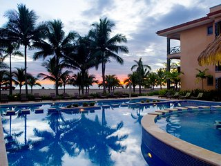 Tropical 3 bedroom condominium at Bahia Encantada