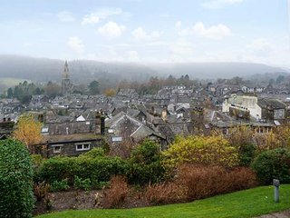 ROTHAY 17, apartment with lovely views, on-site facilities, WiFi, in Ambleside