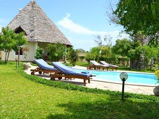 Traumvilla Maisha-Bora für 4 bis 6 Personen, Pool inkl. House keeping  & Koch, Diani Beach