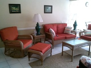Gorgeous 2/2 beach front condo in paradise, Christiansted