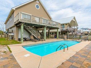 Sea Shore / 4BR 3BA Beach House with Private Pool! / Short Walk to Beach!