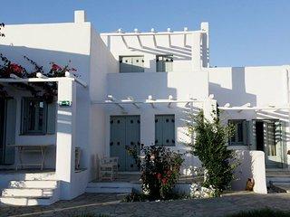 Tiepolo Skyros - Stunning double bedroom apartment, Molos