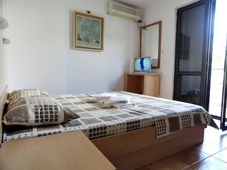 Apartments Mare - 4bed apartment near beach #102