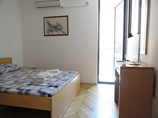 Apartments Mare- apartment for 2 near the beach #103