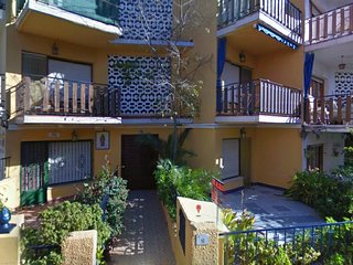 Large groundfloor 160sqm, 3mn from Sandy Beach, 3 bedrooms 2 baths air condition, Alcossebre
