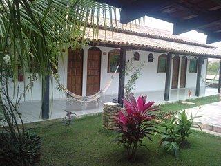 Pousada dos Anões você poderá hospedar-se em 12 Quartos Suíte, com Cama, Prado