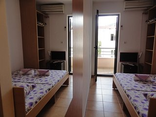 Apartments & Rooms Mare - Room for 2 near the beach #201