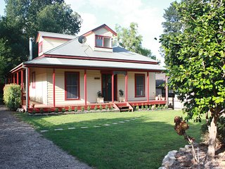 Sandalwood Cottage - Blue Mountains