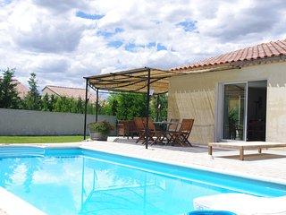Maison avec Piscine avec vue sur les dentelles de Montmirail Et le Mont Ventoux