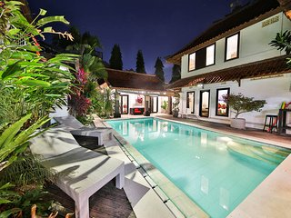 Private Pool Villa at 350m from the Beach