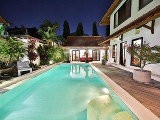 3 Bedrooms Villa in Seminyak near Beach