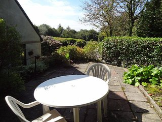 Secluded apartment with private garden and easy access to Truro & Perranporth.