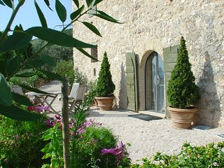 Romantic hideaway in the middle of an olive grove, Trevi