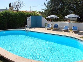Casa Joia- mit Pool liegt am Rande von Almancil in einer ruhigen Straße