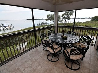 Bayfront condo at Sunset Captiva