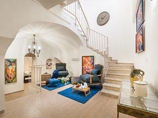 Jerusalem Holiday Apartment 26458