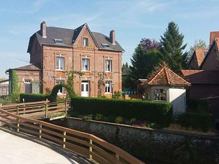 Le moulin de la Bethune riverside property, 4 bedrooms sleeping up to 10 people, Neufchatel en Bray