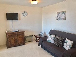 Fabulous 2 Bed 2 Bath Apartment FREE WIFI & UK TV