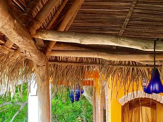 Casa Flourish - New, Beautiful 4 Bdr Casa - Accommodates 10 Comfortably, Yelapa