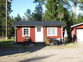Stuga i Engesvik, utanför Gävle,  i närheten av hav och skog