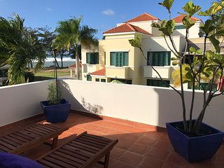 Villa Las Olas | Modern Beach House with a View, Sleeps 8