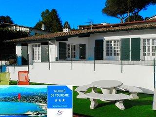 """Villa moderne """"Begiak Uran"""", Les Yeux dans l'eau RARE & CALME, classée 3 étoiles, Saint-Jean-de-Luz"""