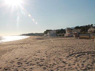 casa La Brisa cerca del mar, confortable,luminosa Para vacaciones perfectas.