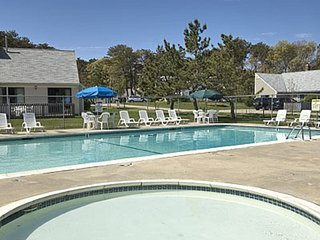 Beautiful Brewster Green Resort Condo with Many Amenities