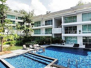Serene 2-Bed Apartment on Kamala Hillside