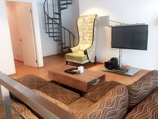 New York Style Apartment in Seminyak 2 Bdm, walking distance To the Beach