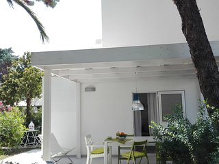 Puglia Ostuni Rosamarina Cosy villa by the sea