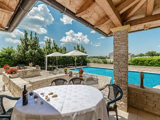 Villa Ana with private swimming pool and large garden, Zadar