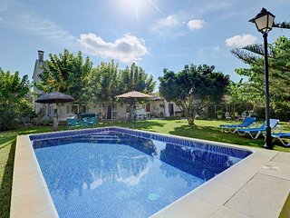 Beautiful villa in Muro with large pool and garden
