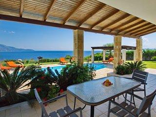 Villa Dionysos, Spartia