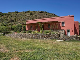 Orange Grove Cottage in Tinos, Exomvourgo