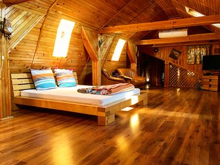 Wooden Attic Suite, Brasov